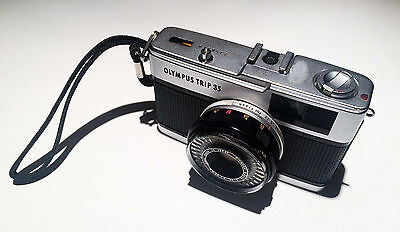 Olympus Trip 35 Film Camera, Silver Button version Classic Vintage