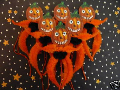 Primitive Vintage Style Halloween Pumpkins Ornaments Chenille Feather Tree