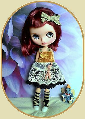 Blythe doll outfit* 5 pieces* dress* shoe* dress hanger* hairclip* socks*