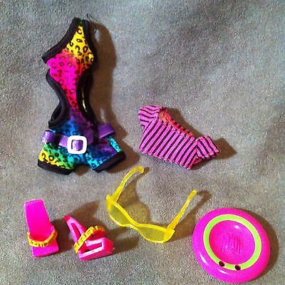 MONSTER HIGH Accesorios, Outfit completo de CLAWDEEN WOLF GLOOM BEACH