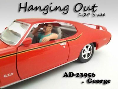 Hanging Out George Figure, White - American Diorama Figurine 23956 - 1/24 scale