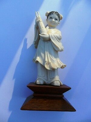 China Statue Little Girl with Music Instrument