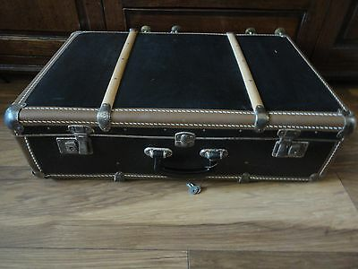 Vintage Retro 50's 60's Steamer Style Suitcase Case Complete With Keys