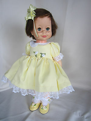 """"""" LITTLE SINGIN' CHATTY"""" SINGS FOR YOU! In Yellow Dress Brunette FREE SHIPPING!"""