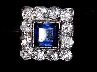 Gorgeous Individually Designed Sapphire and Diamond 750 18 ct Gold Ring