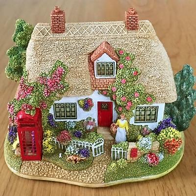Lilliput Lane - The Old Dog and Bone - L2608 - Boxed & Deeds