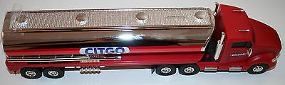 Citgo Gas Tanker NIB 6th in the Holiday Series Light Up Truck FREE SHIPPING