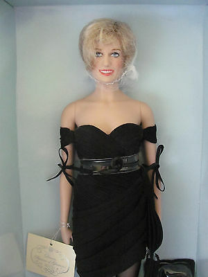 Franklin Mint Diana Princess of Glamour Limited Edition vinyl Portrait Doll.