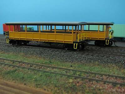 Bachmann HO Open Sided Excursion Car with Seats X 2