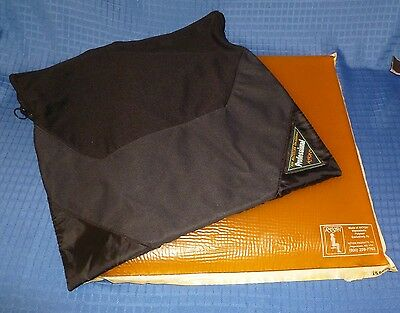 "Action Products Akton Viscoelastic Polymer Gel Seat Cushion w/Cover 16"" x 16"""