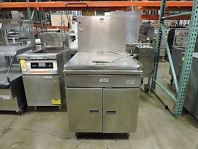 Used Pitco Frialator 24PSS-E 150 Lb Gas Donut Fryer w/ Electric Thermostat