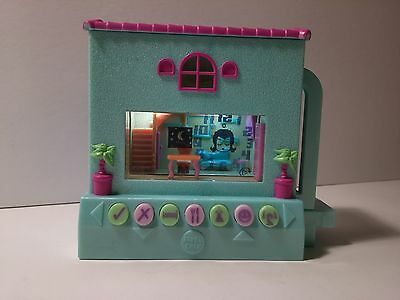 Pixel Chix Hangin at Home Interactive Electronic Mattel Green and Pink House