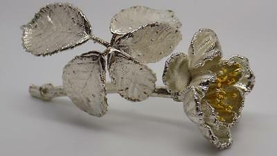 Vintage Solid Sterling Silver 925 Beautiful Flower - Stamped - Made in Italy