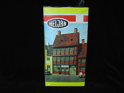 New HO scale HELJAN Drug Store building  kit # B461