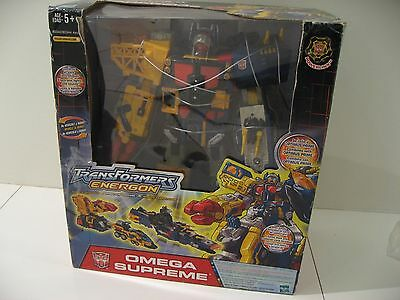 2004 Large Transformers Energon Omega Supreme in Box