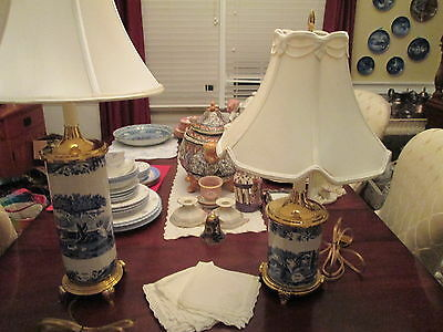 Spode blue and white Italian small lamp Excellent condition!