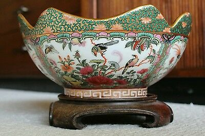 """Vintage Chinese Footed Bowl Famille Rose Medallion w/ Birds Gold 9.75"""" Large"""