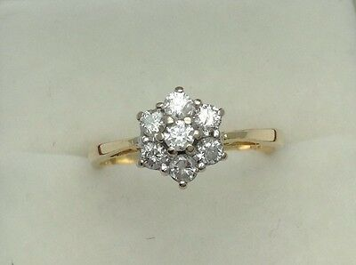 18ct Gold .33ct 1/3rd Diamond Daisy Flower Ring Size L. 6.75