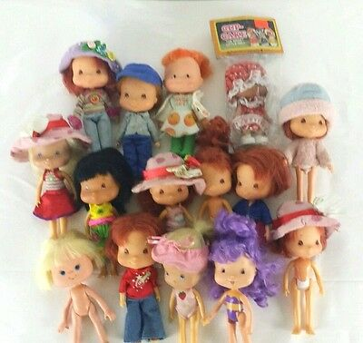 Vintage Strawberry Shortcake Lot of 15 Cup Cake Dolls Some Clothes 1979 - 2002