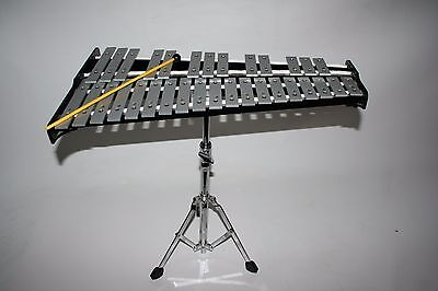 Pearl Xylophone 32 Key- Rolling Case, Stand, and Mallet