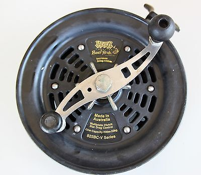 Large and heavy Alvey boat reel 825BC - V series. No line guide.