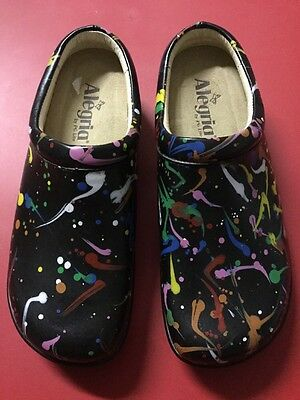 New Alegria Kayla Kay-380 Black Paint Splatter Leather Professional Mules Clogs
