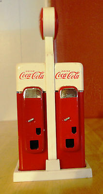 Coke Cola Salt And Pepper Shaker - Collectable