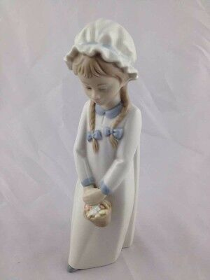 Nao Lladro Daisa Ornament Girl With Basket And Plaits Collectable Figurine