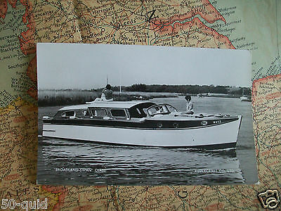 1960s NORFOLK BROADS CRUISER 'BROADLAND SWAN' RIPPLECRAFT BOATYARD POSTCARD