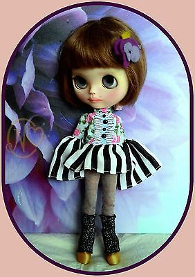 Cute Blythe doll outfit* 5 pieces* dress* socks* boots* dress hanger*