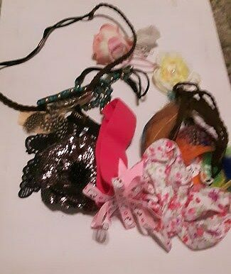 Bundle of childrens hair accessories, clearout