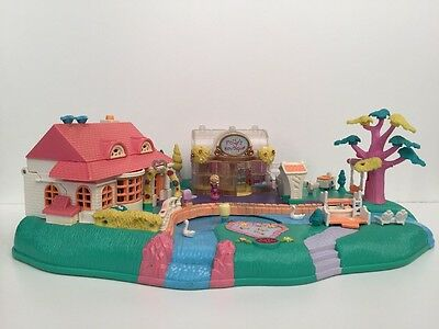 Vintage Bluebird Polly Pocket 1996 Magical Movin' Pollyville w/ Magnetic doll