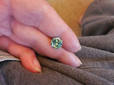 2.93 CT VVS2 9.65 mm Fiery Bluish Green Color Round Cut Loose Moissanite