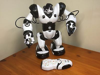 WowWee Large Robosapien white Edition Interactive RC Robot -with remote- tested!