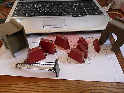 VINTAGE TRI-ANG OO GAUGE SIGNAL, and other bits.