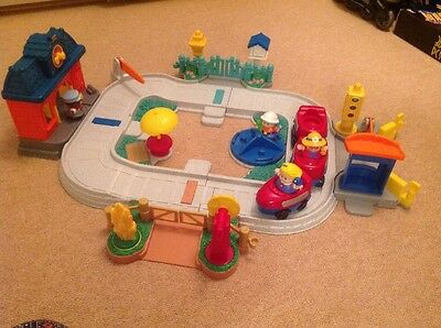 Fisher price Little People Young Children's Train Track And Figures