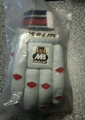 MB Malik Sher Amin Mens RH Cricket Batting Gloves