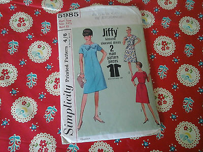 """Vintage Simplicity """"jiffy"""" Sewing Pattern For A Kimono Sleeved Dress In A 14.5"""