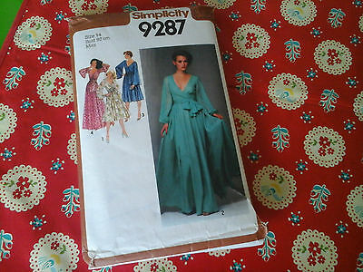 Vintage Simplicity Sewing Pattern For A Dress From 1979 In Size Uk 14