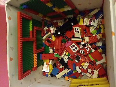 2.2 kg of Lego Assorted PIECES -  windows, people, trees etc