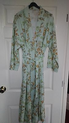 Ladies Polyster Dressing Gown 1970's/1980's