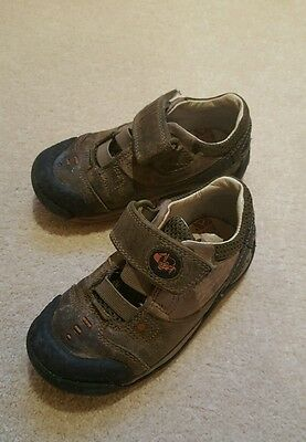 Clarks boys shoes size 7F Brown