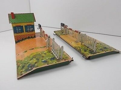 French Hornby O Gauge Level Crossing
