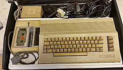 Vintage Computer : Commodore 64 (Not been tried or tested)