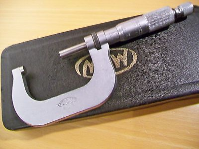 Moore & Wright Micrometer (25 - 50mm)