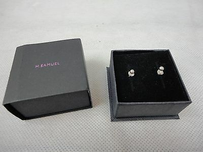 Small 9 ct White Gold 375 Stud Earrings Women's / Children's H Samuel New