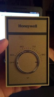 Honeywell T451B 3004 Line Voltage Thermostat