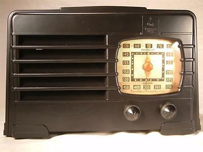 Restored pre war Emerson tube radio - sounds good, looks good