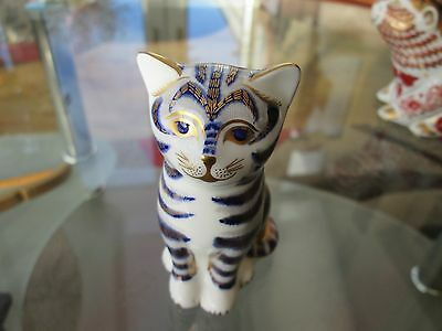 Royal crown Derby paperweight grey kitten 1st quality gold stopper