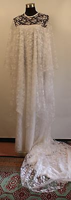MEDIUM,1970's WHITE WEDDING DRESS. MADE BY FATA MORGANA. ORIGINAL VINTAGE.